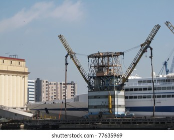 loading structure in the harbor