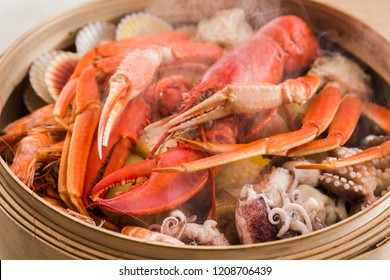 Lobster and seafood are steamed until ripe red and smoky that looks very delicious and beautiful.