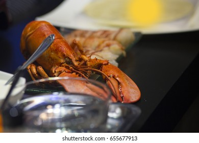 Lobster shrimp Placed on the table