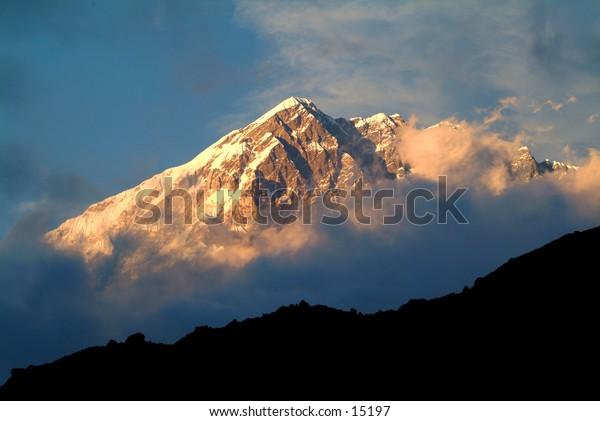 Lobuje in Nepal at sunset