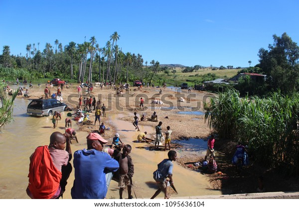 Local People Mining Gems Sapphire Mines Stock Photo (Edit