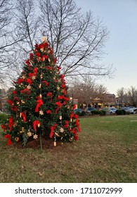 Located in the center of the town is this beaufitul Christmas Tree
