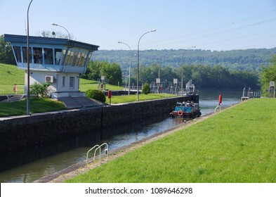 Lock on the river Oise near Paris in France, Europe