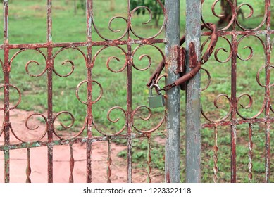 Locking doors on a regular basis will cause the equipment to take a long time to deteriorate, especially the common sight is rust.