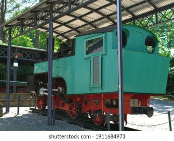 locomotive cable car, a train that traveled in the mountains