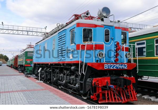 locomotive-vl22-1442-russia-novosibirsk-