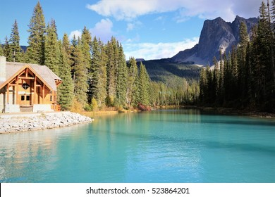 Lodge at the Emerald Lake in British Columbia/ Emerald Lake/ Yoho National Park in British Columbia