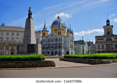 LODZ,POLAND, MAY, 04,2018: Liberty Square in Lodz - Monument T.Kociuszko against the church and the street Piotrkowska