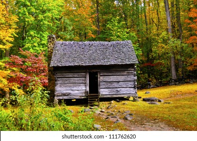 A log cabin in the Great Smoky Mountains national park in the fall