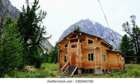 Log house for tourists in the Altai Mountains