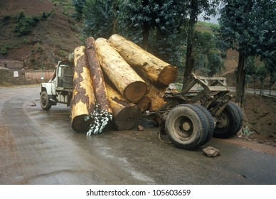 Logging truck accidental log spill, Kunming, Yunnan Province, People's Republic of China