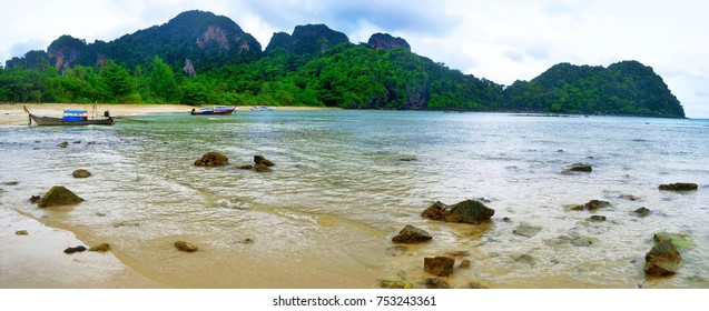 Loh Lanah bay at Koh Phi Phi