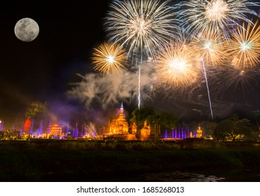 Loi Krathong and Candle Festival Of Sukhothai in Thailand