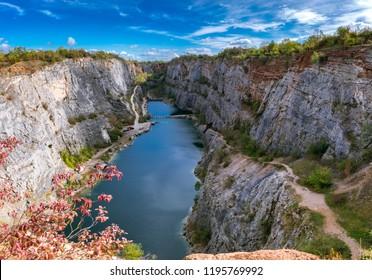 Lom velka Amerika / a large quarry of America