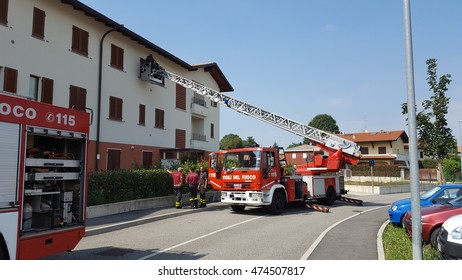 Lomazzo  ( Italy) 08/26/2016: fireman in an emergency scene. Everyday firemans departments are called to solve various types of emergencies.