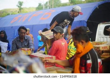 LOMBOK INDONESIA AUGUTS 6 2018 : lombok earthquake victims volunteers in obel obel village