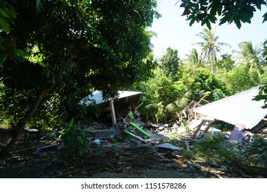 LOMBOK INDONESIA AUGUTS 6 2018 : Building collabsed after Lombok earthquake in gili trawangan island,