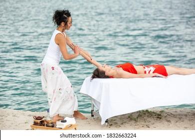 Lomi-Massage: Hawaiianische Erfahrung
