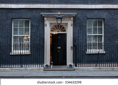 London, 28 November 2016. Main doors are kept closed at 10 Downing Street in London, the residence of Prime Minister of the United Kingdom.