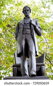 London, 28th September 2017:-Statue of President Abraham Lincoln in Parliment Square