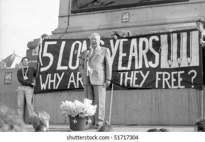 LONDON - APRIL 13: Edward Heath, former British Prime Minister, speaks at a rally in support of Beirut hostage John McCarthy on April 13, 1991 in London.