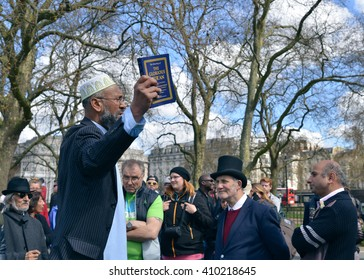 LONDON - APRIL 17: Speakers in Hyde Park Corner during debate and discussion on April 17, 2016, London. A Speakers' Corner is an area where open-air public speaking, debate and discussion are allowed.