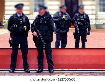 london armed police