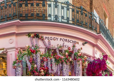 London. August 2018. A view in of the Peggy Porschen bakery in Belgravia in London