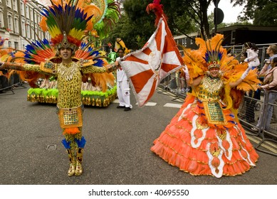 LONDON - AUGUST 25: Dancers from the Paraiso School of Samba float during the Notting Hill Carnival on August 25, 2008 in London, England.