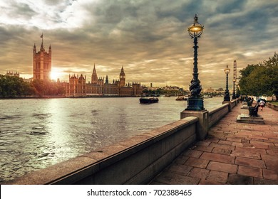 London in beautiful sunset, Houses of Parliament, Big Ben and the River Thames