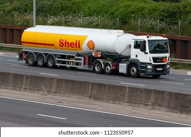 LONDON COLNEY, UK - JUNE 28, 2018: Shell Cistern in motion on British motorway M25