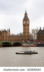 LONDON - DEC 5 : View along the River Thames to the Houses of Parliament in London on Dec 5, 2015