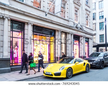 84972a578f London December 2017 View Gucci Store Stock Photo (Edit Now ...
