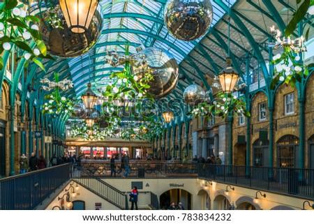 LONDON DECEMBER 28 2017 Apple Market Stock Photo (Edit Now ...