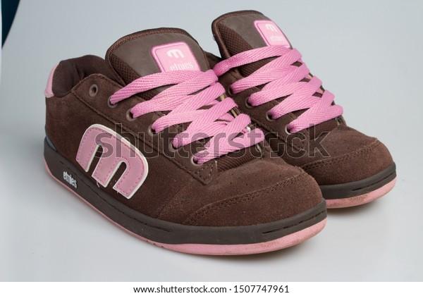 10092019 Etnies 90s Skate Stock