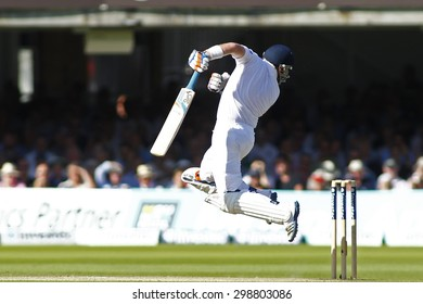 LONDON, ENGLAND. AUGUST 17 2012 England's Ian Bell defends against a bouncer during the third Investec cricket  test match between England and South Africa, at Lords Cricket Ground