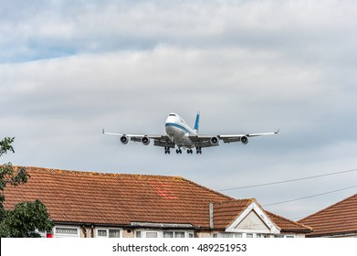 LONDON, ENGLAND - AUGUST 22, 2016: Kuwait Airways Boeing 747 Landing in Heathrow Airport