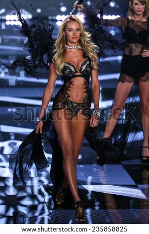 f9d85fa3e49 LONDON ENGLAND DECEMBER 02 Victorias Secret Stock Photo (Edit Now ...