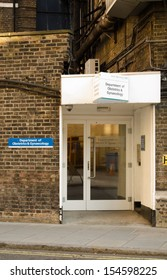 LONDON, ENGLAND - JULY 19: Entrance to the obstetrics and gynaecology wards of St Mary's Hospital, Paddington on July 19 2013.  Future monarch, Prince George, was born in the hospital in July 2013.