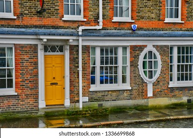 London, England - march 11 2018 : picturesque old houses near the Shakespeare Globe Theatre