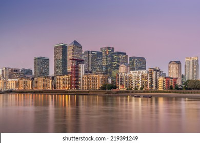 LONDON, ENGLAND - SEPT 22: Canary Wharf on the September 22nd, 2014 in London,England.Canary Wharf is the HQ of major banks including Barclays, Citigroup, Credit Suisse,HSBC, JP. Morgan, Morgan Stanley,