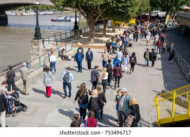 London, England, UK, 9th September 2017. Crowds walking along the Southbank next to the River Thames in London, England, UK