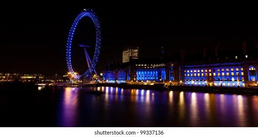 The London Eye and Aquarium at Night