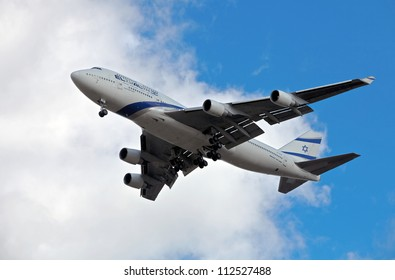 LONDON - FEBRUARY 19: El Al Boeing 747 on its approach run for a landing at Heathrow airport on February 19, 2012 in London. Heathrow is the UK's busiest airport with nearly 70Mn passengers in 2011