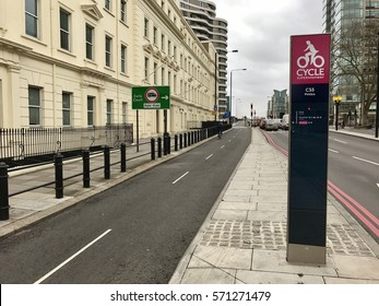 LONDON - FEBRUARY 3, 2017: South along Cycle Superhighway CS5 between Oval and Pimlico just north of Vauxhall Bridge in Pimlico, London, UK. Set up by TFL and Mayor of London to improve cycle safety.
