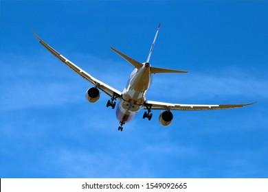 London Gatwick Sussex UK July 2017 Norwegian Boeing 787 aborts landing at Gatwick on runway 08R