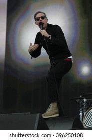 LONDON - JUN 26, 2015: Kaiser Chiefs Ricky Wilson on stage at the British Summer Time concert, Hyde Park on Jun 26, 2015 in London