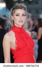 LONDON - JUN 30, 2015: Amber Heard attends the Magic Mike: XXL - UK film premiere, Leicester Square on Jun 30, 2015 in London