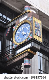 LONDON - JUNE 8. The Art Deco clock on the front of the former Daily Telegraph newspaper building built in 1930; now the offices of Goldman Sachs on June 8, 2014 in Fleet Street, London, UK.