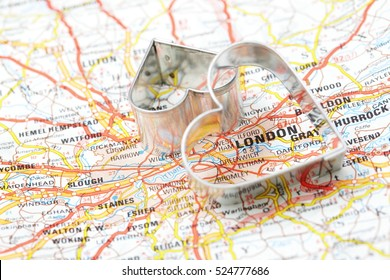 London map and heart.